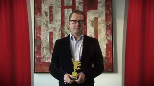 Kai Diekmann erh�lt den Blogger 2009 als Newcomer des Jahres