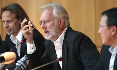 Harald Schmidt in K�ln bei der Vorstellung seiner neuen Show; Bild: WDR / Herby Sachs